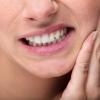 Mehr als nur Zahnschmerzen: Diese Krankheiten werden durch kranke Zähne verursacht
