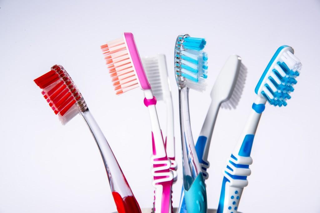 10 Dinge die Sie beim Zähneputzen falsch machen — Dental Magazin