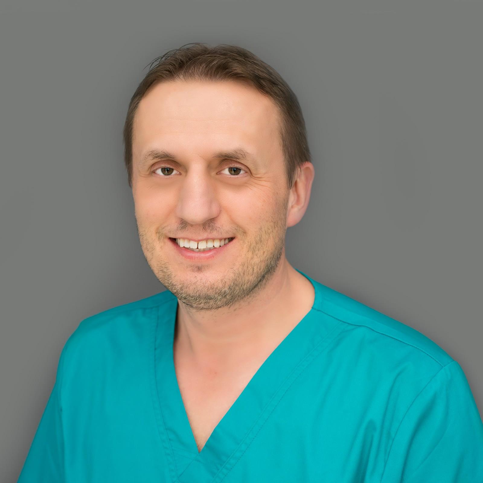 Dr. Attila Kámán