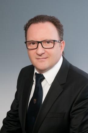 Dr. med. dent. Attila Kovács